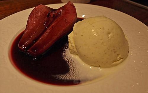 Chillige Birne mit Rotwein