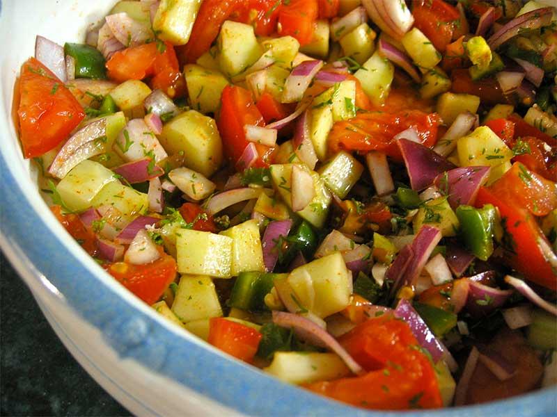 Kuchumber-Cannabis-Salat